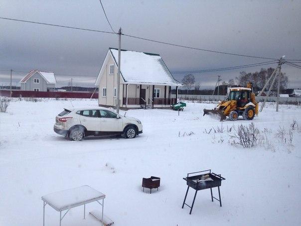 Уборка снега в Атеевке. Хорошая дорога даже зимой!